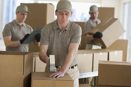 استخدام کارگران آموزش دیده و متخصص در بسته بندی و حمل بار
